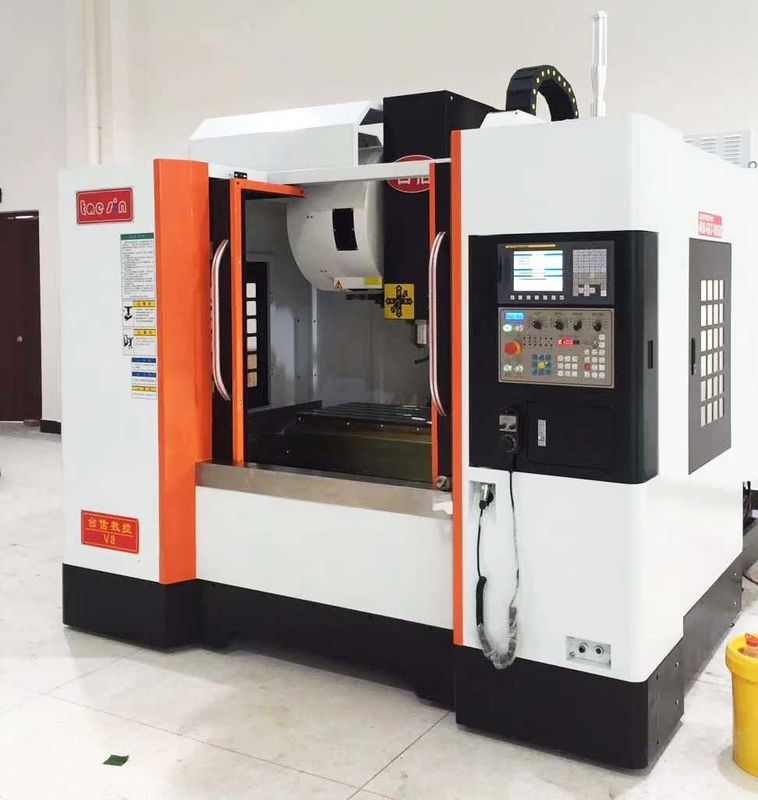 24T Arm Type Vertical Taiwan CNC Machining Center Xyz EU