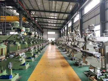 China Heavy Duty Design Turret Head Milling Machine CNC Knee Mill 350KG Max Load factory