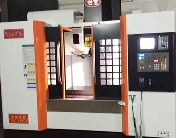 China ISO CE Certification 3 Axis Vertical Machining Center No Thermal Deformation factory